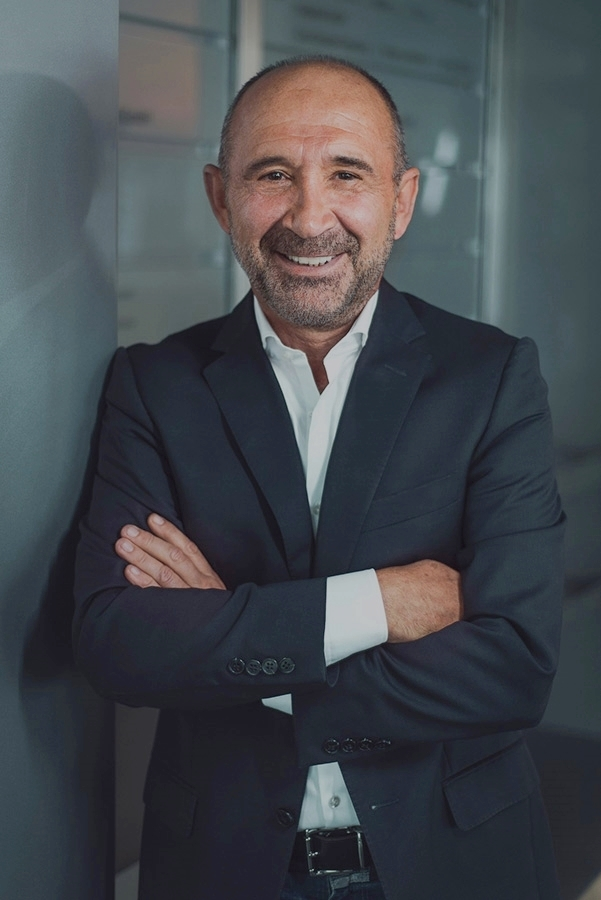 Dr. Konstantin Zoggolis